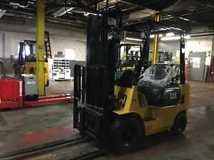 Cat 3000 Lb Pneumatic Forklift With Side Shift And Triple Mast Air Tires