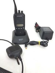 Kenwood Tk 372g Uhf Handheld 450 470mhz Radio W Speaker Mic And Charger Tested