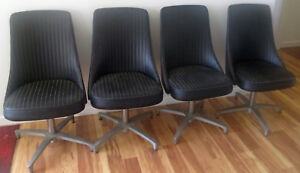 Set Of 4 Chromecraft Vinyl Swivel Chairs On Eames Style Bases