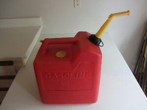 Vintage P60 Chilton 6 Gallon Pre Ban Screened Gas Can With Spout