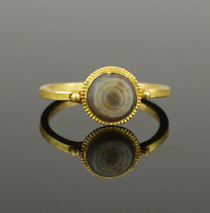Ancient Roman Gold Agate Ring Circa 2nd Century Ad