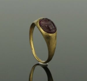 Ancient Roman Gold Intaglio Ring Circa 2nd Century Ad 023