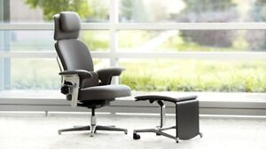 Steelcase Leap Worklounge Chair And Ottoman desk