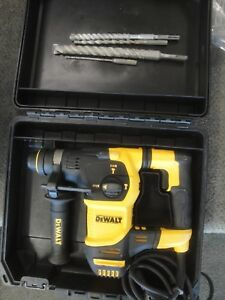 Dewalt Sds Plus Rotary Hammer Drill D25333 With Bits 2c