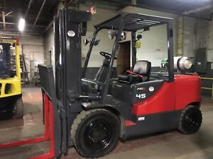 2012 10 000 Lb Solid Pneumatic Forklift With Side Shift Triple Mast