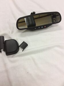 07 08 Tahoe Yukon Escalade Sierra Vue Auto Dim Rear View Mirror Compass Temp