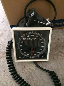 Welch Allyn Aneroid Tycos Sphygmomanometer Blood Pressure Wall Excellent Shape