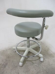 New Crown Seating Dental Furniture Stool For Dentistry Operatory Seating