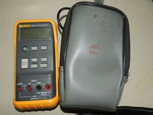 Fluke 715 Volts ma Calibrator Meter With Case Leads