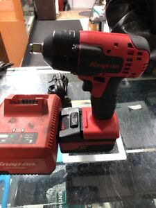 Snap on Tools 18v 1 2 Drive Cordless Lithium Impact Wrench Ct8815a