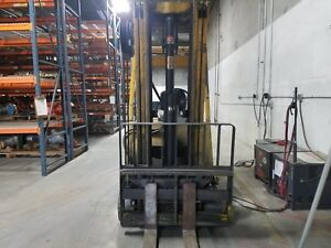 Hyster Electric Sit Down Fork Lift 5 000lb Capacity Very Reliable And Great