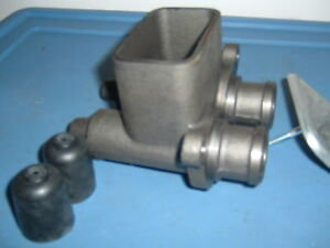 D3nn2140a Master Cylinder Ford Tractor 8000 9000 Tw5 Tw10 8600 8700 9600 9700