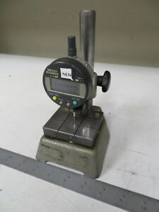 Mitutoyo Absolute Indicator 543 251b On Gage Comparator Stand Ne56