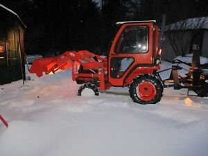 Kubota B7610 Tractor 4x4 Loader Cab New Snowblower