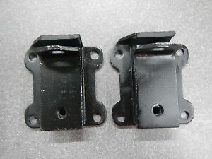401 425 Buick Nailhead Engine Motor Mount Pair 1961 1962 1963 1964 1965 1966