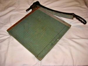 Vintage Premier Brand 16 Guillotine Style Green Paper Photo Cutter