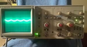Tektronix 2213a 60mhz Analog Dual Channel Trace Oscilloscope tested