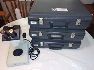 Leica Zoom 2000 Stereo Microscope With 3 Cases Of Clear Block Of Slides 35