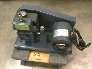 Welch 1400 Duoseal Vacuum Pump Two stage 1 3hp 115vac 60hz tested To 27 hg