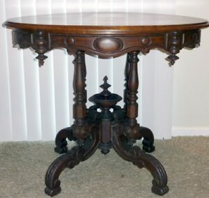 Antique 1880s Fancy Bowl Finial Walnut Victorian Oval Side End Parlor Lamp Table