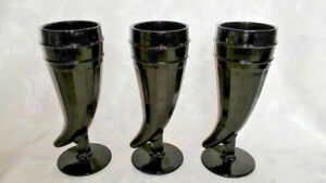 3 Black Tiara Powder Horn Shaped Black Glass Pilsner Glasses Cornucopia Rare Euc