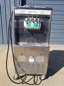 Taylor Y754 33 Commercial 2flavor twist Soft serve Ice Cream 3ph Water Cooled