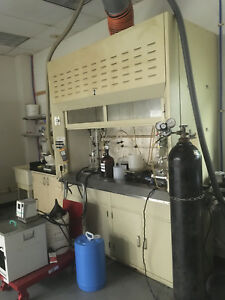 6 70 Kewaunee Chemical Fume Hood With Bench