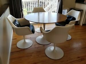 Vintage Knoll Atleast 53 Yrs Old 42 Tulip Dining Table And 4 Swivel Chairs