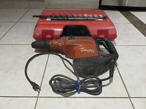 Hilti Te 70 Heavy Duty Breaker Hammer With Case And Two Bits chisels