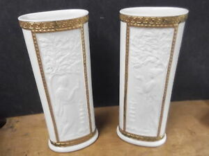 Lovely Pair Of Mottahedeh Design Vases Ancient Roman Motif Fabulous