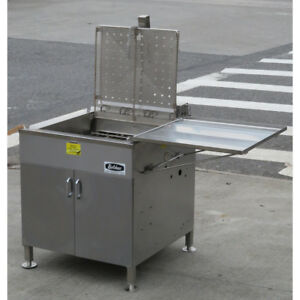 Belshaw 624 Electric Donut Fryer With Submerger Used Great Condition