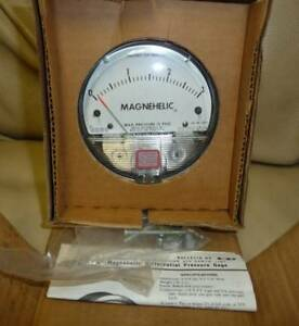 Dwyer 2003c Magnehelic Differential Pressure Gauge 0 3 New Made In The Usa