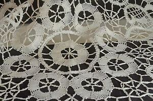 Vintage Bobbin Lace Linen Table Round Centerpiece Tt689