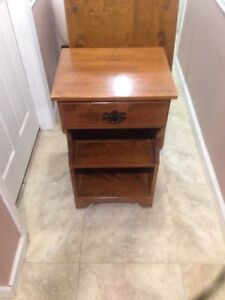 Ethan Allen Baumritter Solid Nutmeg Maple Night Stand With Drawer