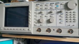 Tektronix Tds540 500mhz 1gs s In Perfect Working Condition