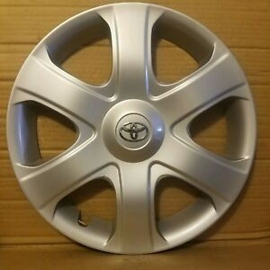 Toyota Matrix 2009 2011 Hubcap Oem Wheel Cover Damage On One Clip 473ds