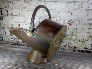 Antique Vintage Old Copper Fireside Fire Coal Scuttle Bucket Display Prop