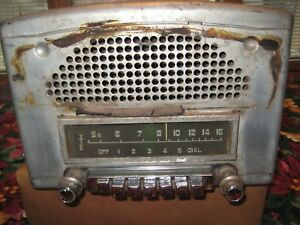 1949 Or 1950 Plymouth Philco Radio Compleat With Speaker Inside