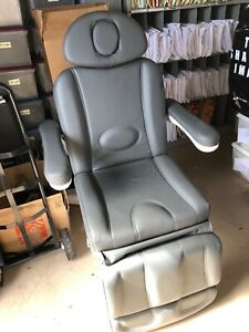 Medical Exam treatment Chair Deluxe Power Never Used excellent Condition