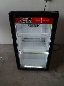 07 2015 Imbera Vro6 Glass Door Refrigerator merchandiser Coke Coca Cola