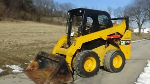 2015 Caterpillar 242d Skid Steer With Bucket only 1195 Hours