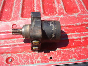 Parker Char Lynn Auger Or Winch Hydraulic Motor Te0065us10aaak 1 6 Spl Shaft