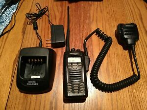 Vhf Kenwood Nx 200 With Speaker Mic Charger