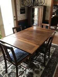 English Pub Table And 4 Matching Chairs Circa 1930 40