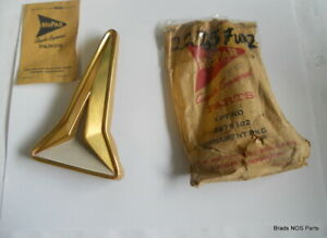 Nos Mopar 1961 Plymouth Fury Sport Fury Gold Anodized Grille Ornament Pn 2275102
