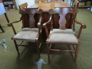 Willett Furniture Cherry 2 Armed Dining Chairs
