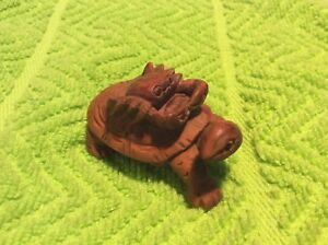 Rare Netsuke Vintage Wood Carved Turtle Crab Black Onyx Or Glass Eyes