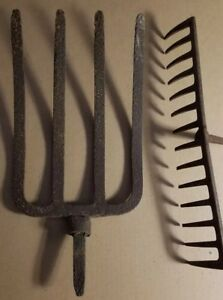 Vintage Rusty 4 Flat Tine Prong Pitch Hay Fork And Rake Farm Decor Tool