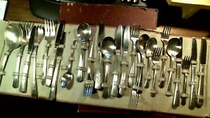 William Rogers Silver Plate Court Sovereign Silverware 53 Pieces Fork Knife