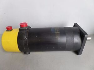 Fanuc Dc Servo Motor Model 20m A06b 0652 b205 Lot 692m Ray
